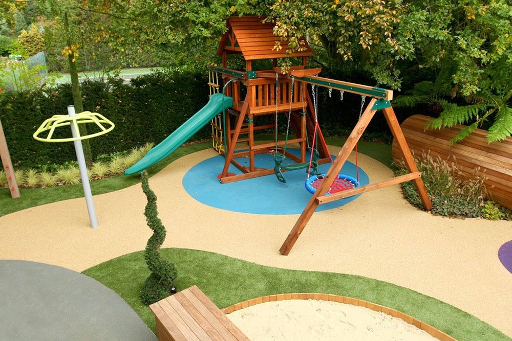 Không gian vui chơi cho trẻ em trong thiết kế sân vườn