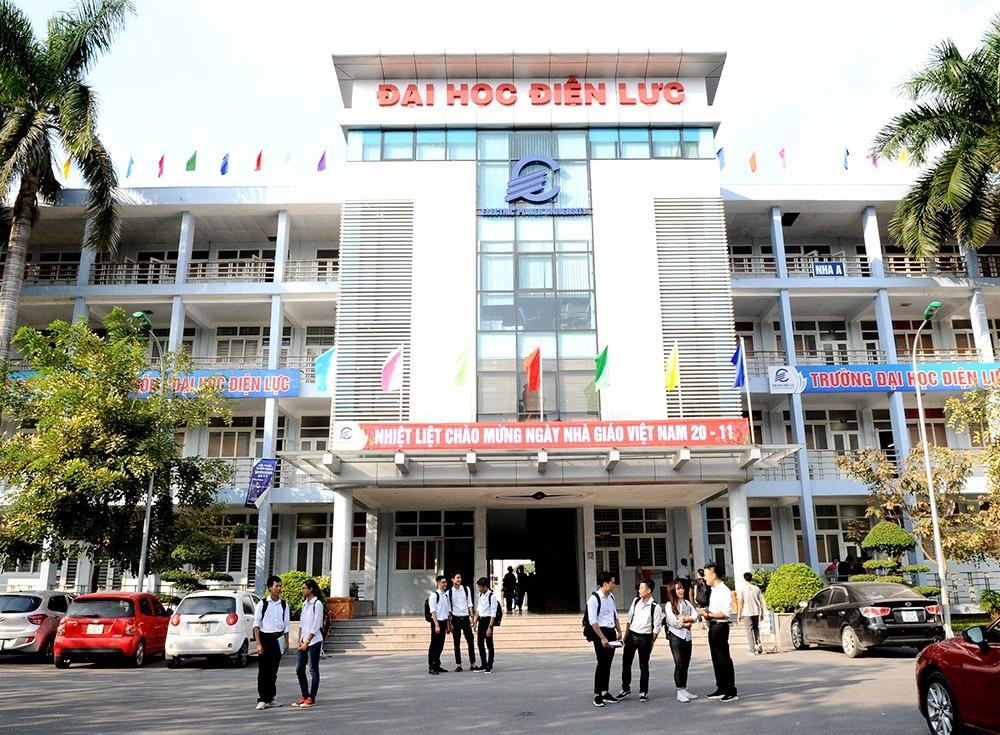 Thi công tường cây xanh trường đại học Điện Lực Hà Nội