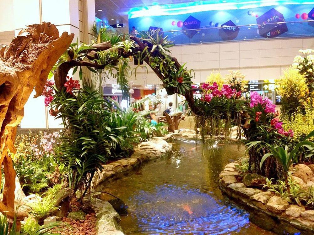 Trang trí Lan tuyệt đẹp tại sân bay Changi Airport