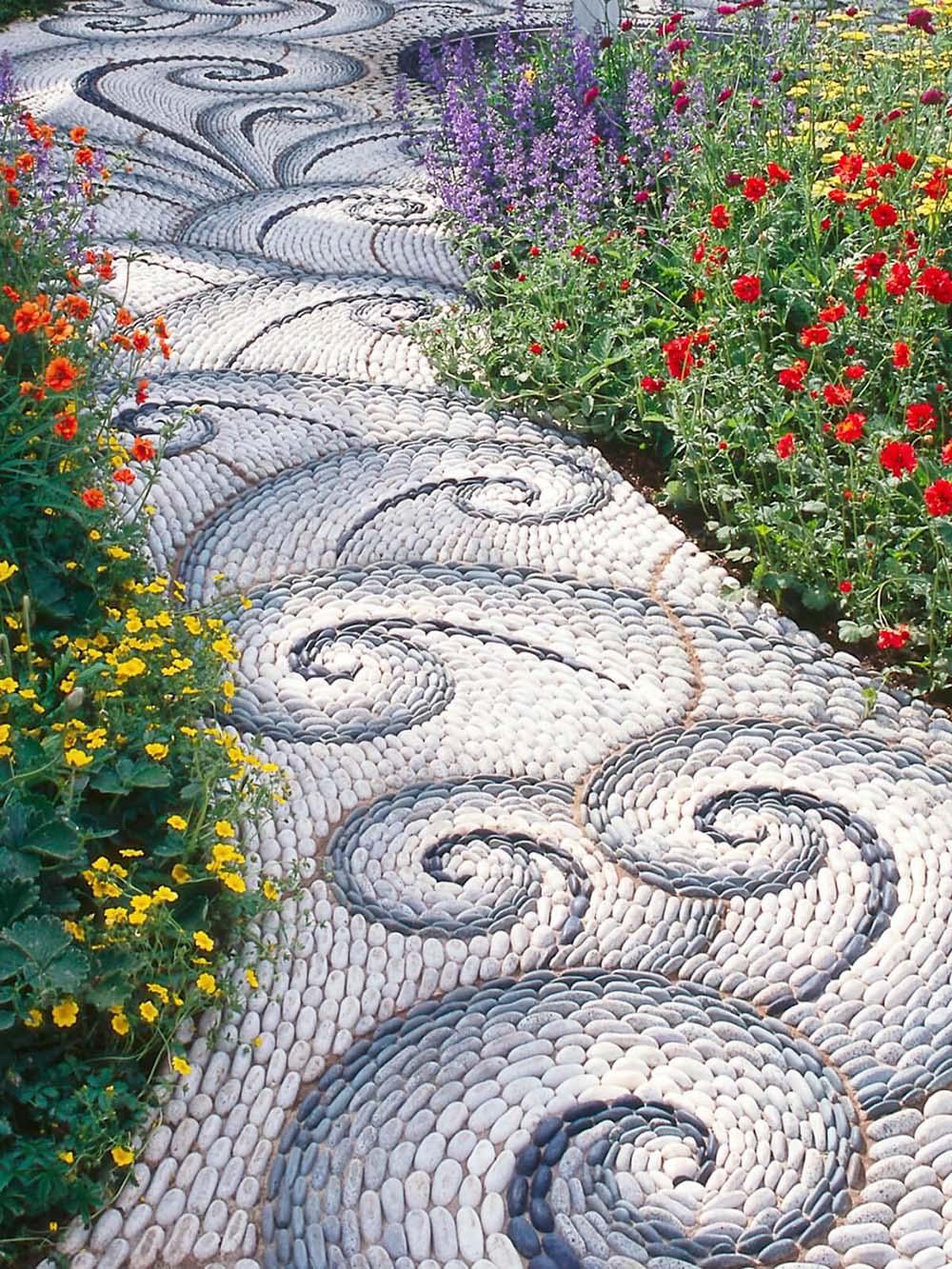 Lối dạo trong thiết kế sân vườn đẹp lộng lẫy - Mongarden